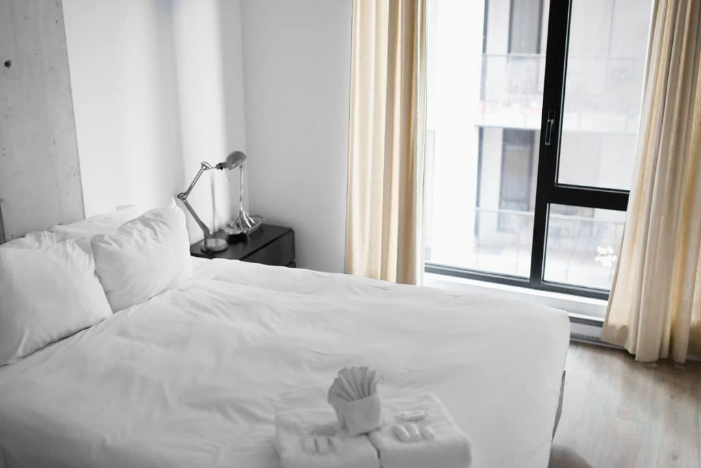 One simple, 2-minute morning task that will change your life